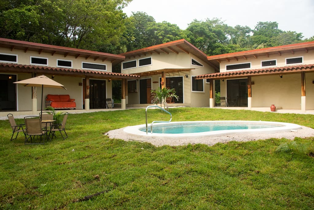 Villas tangerine delfin bed and breakfasts for rent in for Villas for rent in costa rica