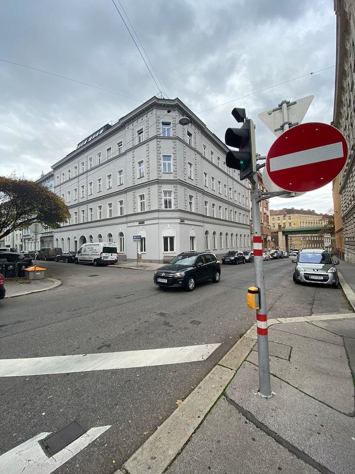 WG-Zimmer im Wiener Stil mit toller Anbindung U4/6