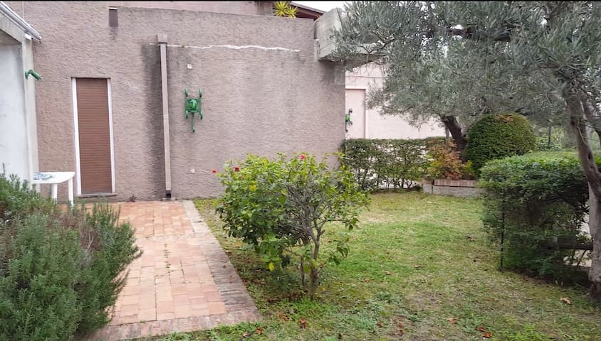 Casa vacanze con giardino!!! - Stalettì - Casa de campo