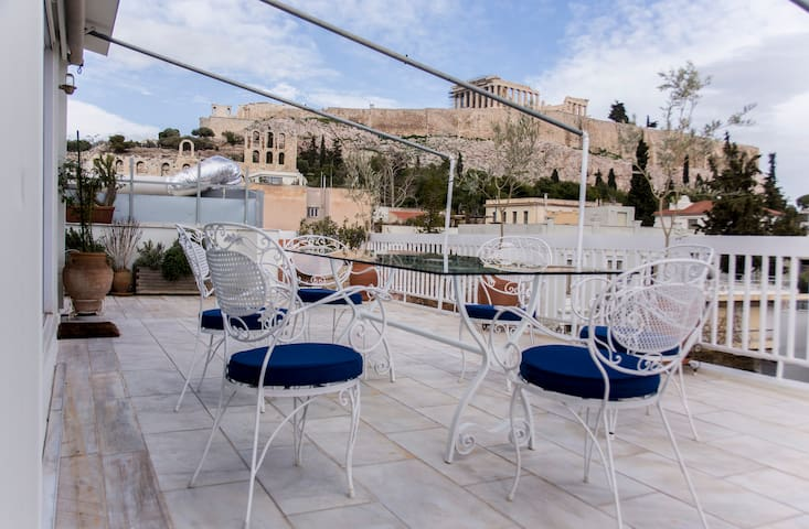 Acropolis Loft apt. with amazing view to Parthenon