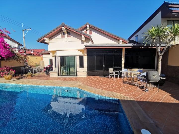 Modern Pool Villa near Walking Street & beach.