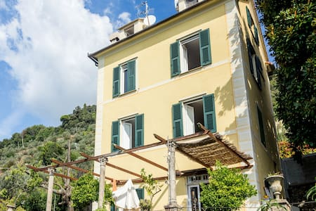 Breathtaking seaview ligurian style - Genua - Huis