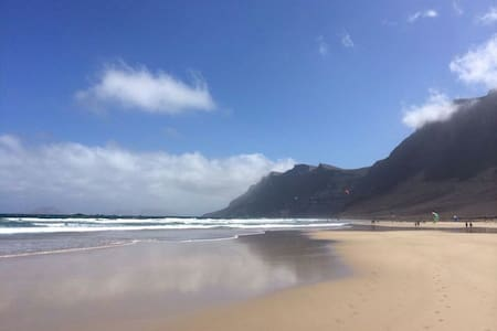 FAMARA: 1ªlinea de playa - Caleta de Famara - Leilighet