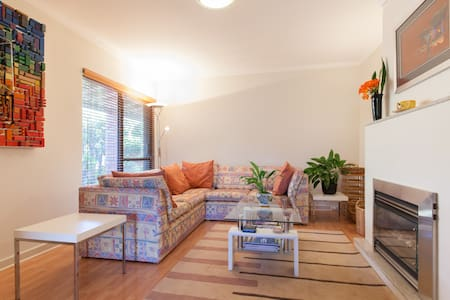 Boutique 2 Bed home apartment with access to pool - Attadale