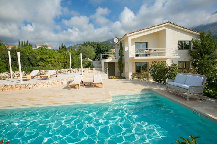 Ideales Resort Villa Xteni