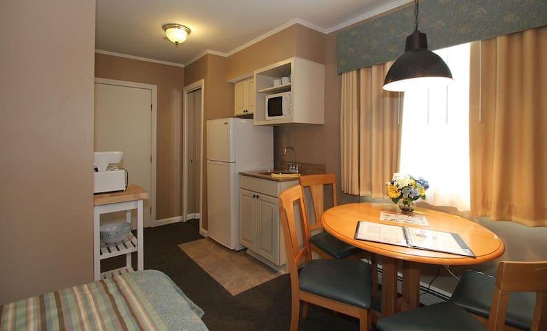1 BED Pier 7 Condominiums - Yarmouth - Appartement