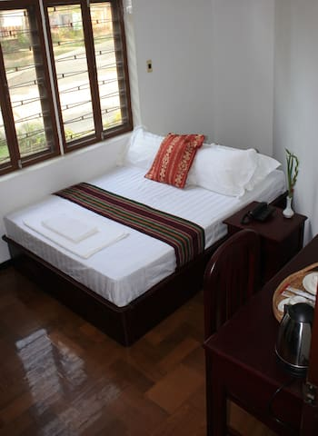 Inle Valley B&B-Superior Room