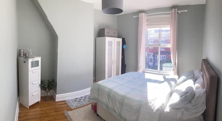 Comfortable cute room in centre of Chorlton