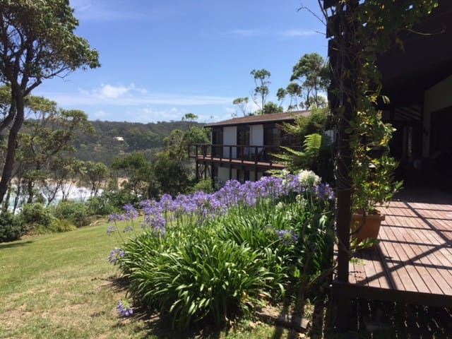 Unique Beach House in 4 acre bush - Malua Bay - Huis