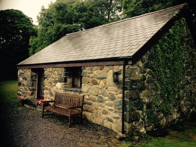 Charming cottage in the countryside - caernarfon - Haus
