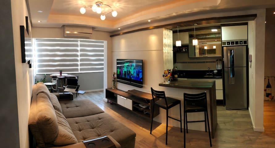 Apartamento completo 2 Quartos 2 garagens