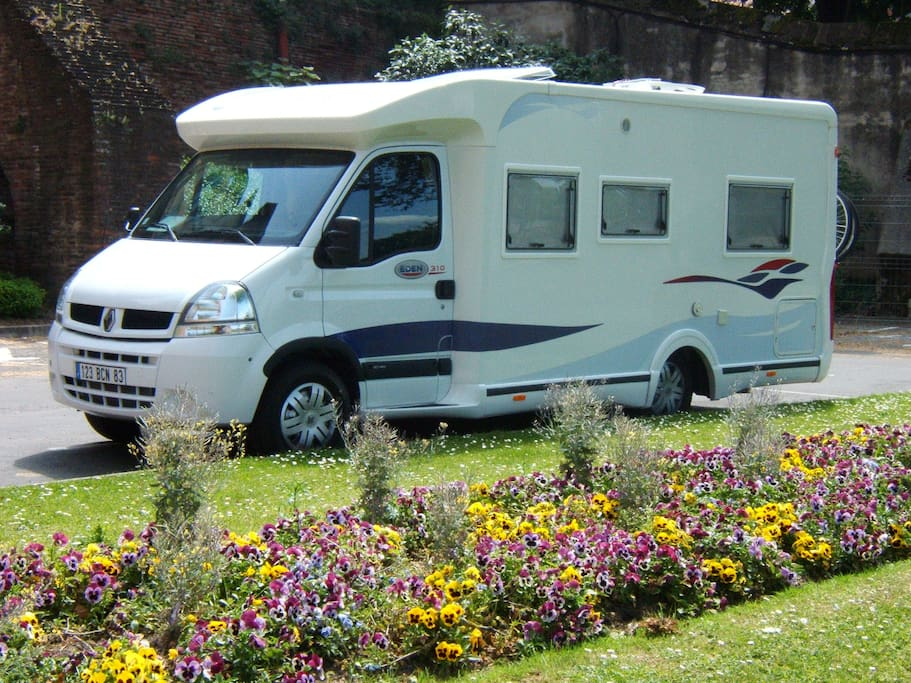 Profiter proche de cassis s jour dans camping car - Location camping car salon de provence ...