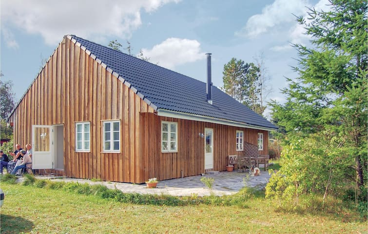 Holiday cottage with 3 bedrooms on 112m² in Ørsted
