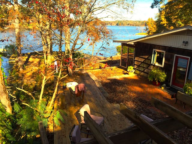 Water front lakehouse