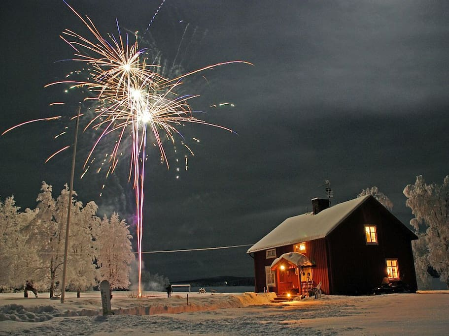 New Years Eve at Bjorknas Lodge. Frost in the trees, stars in the sky and happy faces everywhere:)