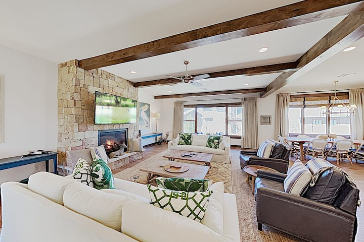 Reserve at Lake Travis Home with Swim Park