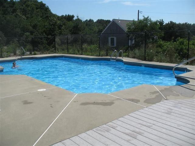 Updated, Pretty Unit w/ Pool Access - Truro