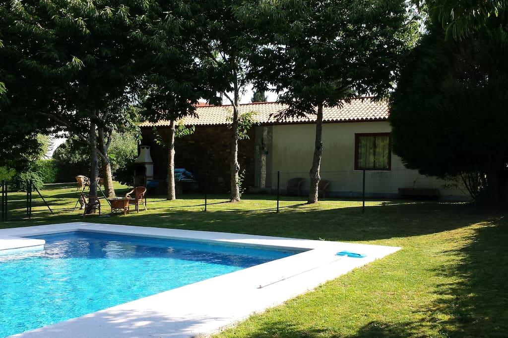 Casa boado casa completa con piscina casas en alquiler en as corredoiras galicia espa a - Apartamentos con piscina en galicia ...