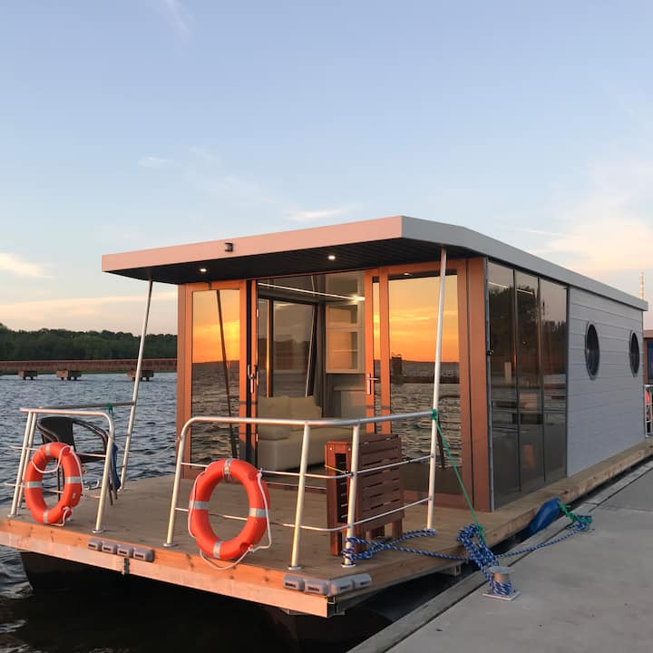 Houseboat  Morgan