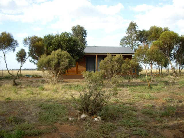 Peaceful Tailem Retreat- Unit 1