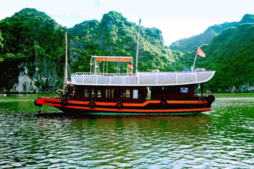 Private Fishing Boat as Fisherman in Lan Ha Bay