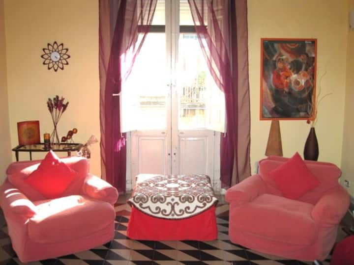Beautiful historical flat in the heart of Catania