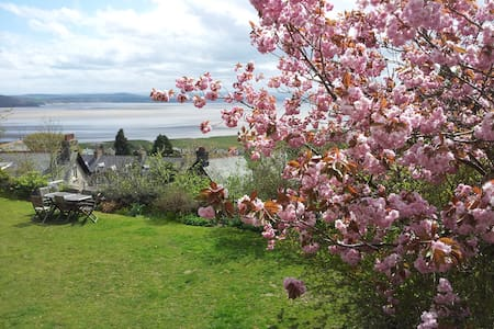 Double ensuite with private access - Grange-over-Sands