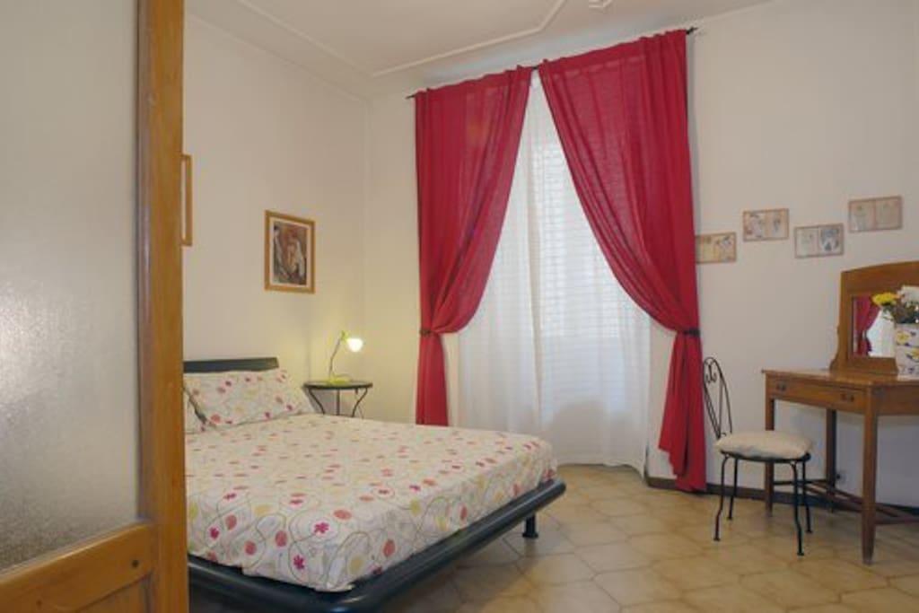 Casa centro storico vicino colosseo appartamenti in for Affitto c1 roma centro
