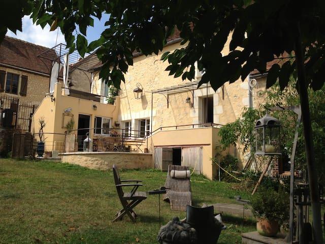 MAISON ANCIENNE AU COEUR DU PERCHE - Vichères - Huis