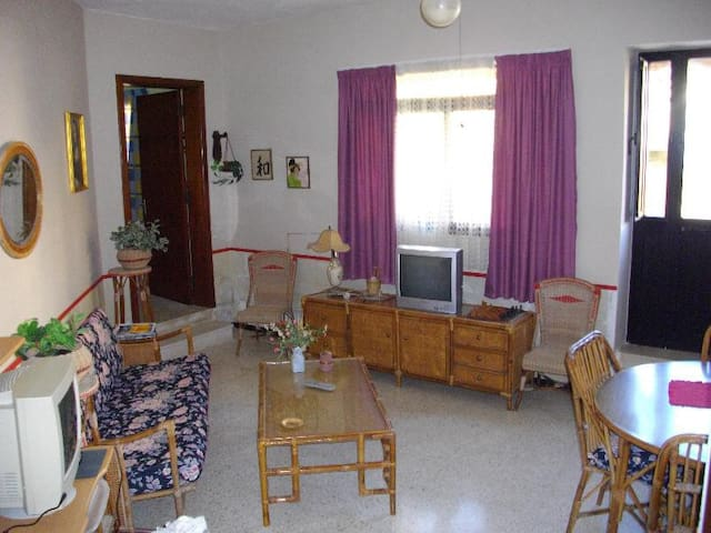 Rooms in seaview maisonette - Pembroke - House
