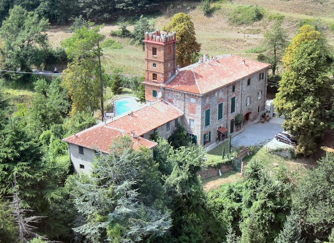 Large apartment in country home & pool - Savona - Apartment