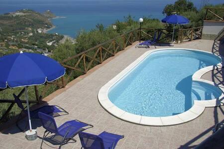Villa Brezza Marina - Sicilia - Capo d'Orlando