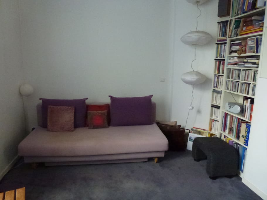 studio au c ur de l 39 ile saint louis apartments for rent in paris le de france france. Black Bedroom Furniture Sets. Home Design Ideas