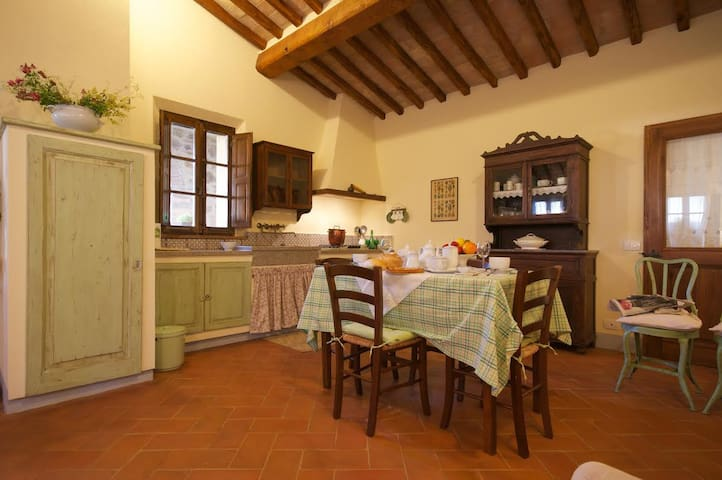 Stunning apartment near Montalcino, Val D`orcia - San Giovanni d'Asso - Byt
