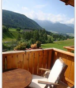 Accogliente mansarda in Alto Adige - Rasun di Sopra - Huoneisto