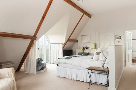 Timeless Clock Tower near Daventry - Bed & Breakfast