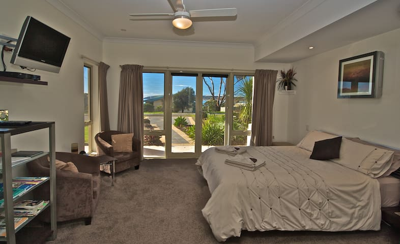 Luxury Holiday Apartment, Emu Bay, Kangaroo Island - Emu Bay - Appartement