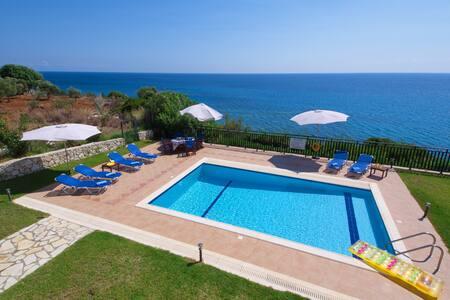 Villa Korfos, Skala, Kefalonia - Skala - Villa