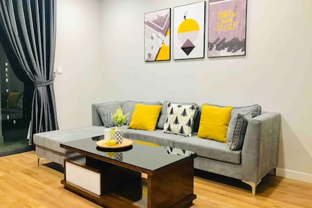 Pinka House-Yellow * New* Cozy Apt*2BR *The Legend