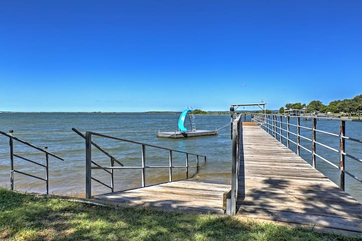 'Whitetail Cove' Waterfront Lake Buchanan House