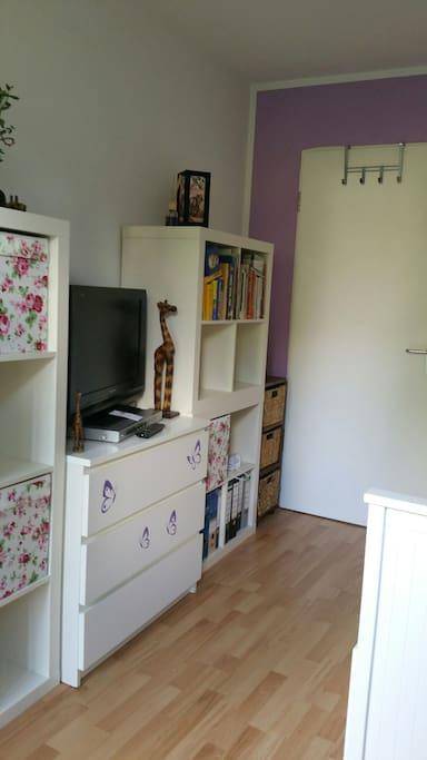 m bliertes zimmer mit garten und hund wohnungen zur miete in regensburg bayern deutschland. Black Bedroom Furniture Sets. Home Design Ideas