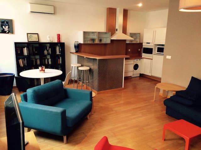 Vieux port appartement clair style loft