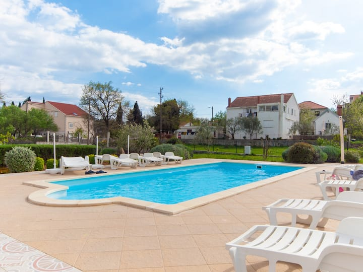 Apartment  Frane with swimming pool