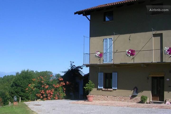 Casa vacanza la casa di Roby - La Morra - House