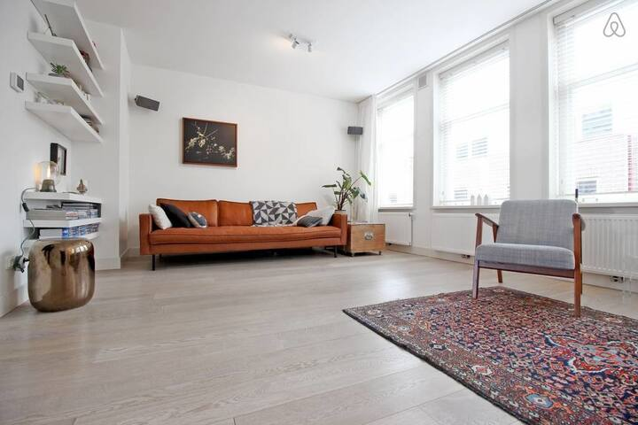 Amazing apartment in the Jordaan with roof terrace