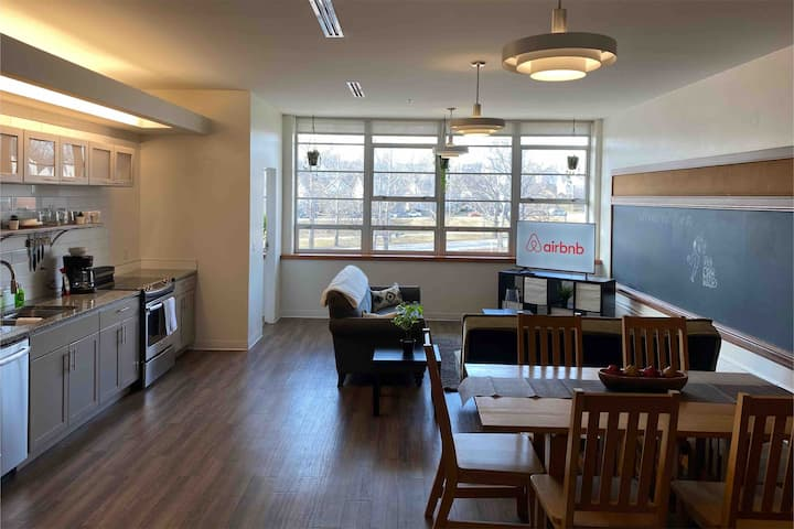 ★2BR Luxury Loft In the heart of Kansas City ★