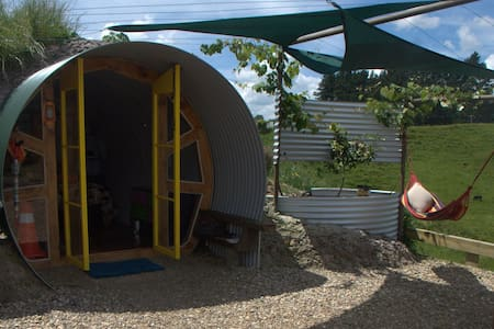 Organic, rural glamping - Womble style.