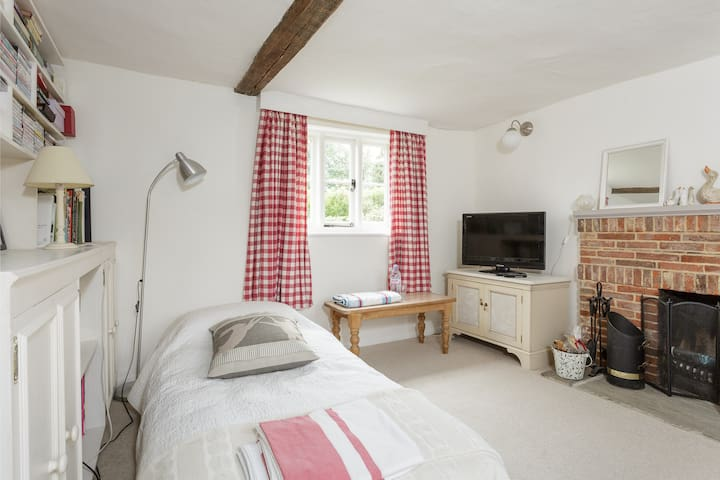 Guest room in Hampshire cottage  - Hampshire - Huis