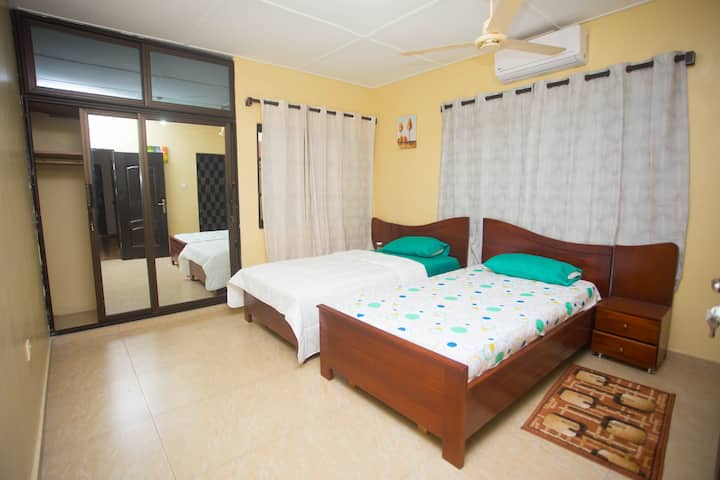 Comfortable twin Bedroom in Com.20 Near Spintex Rd