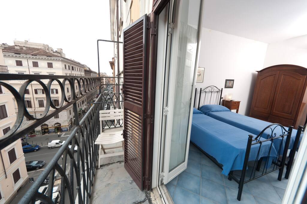 balcone  comune delle stanze 1 e 2